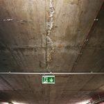 trhlina, strop garáží, novostavba, portlandit
